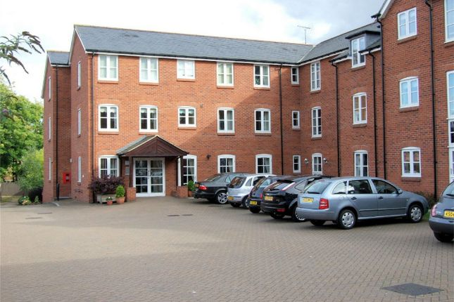 Thumbnail Property for sale in Whitings Court, Paynes Park, Hitchin, Hertfordshire
