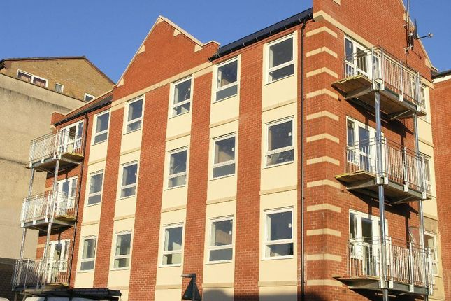 2 bed flat to rent in Stimpson Avenue, Abington, Northampton NN1