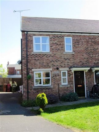 Thumbnail Semi-detached house to rent in Temple Road, Scunthorpe