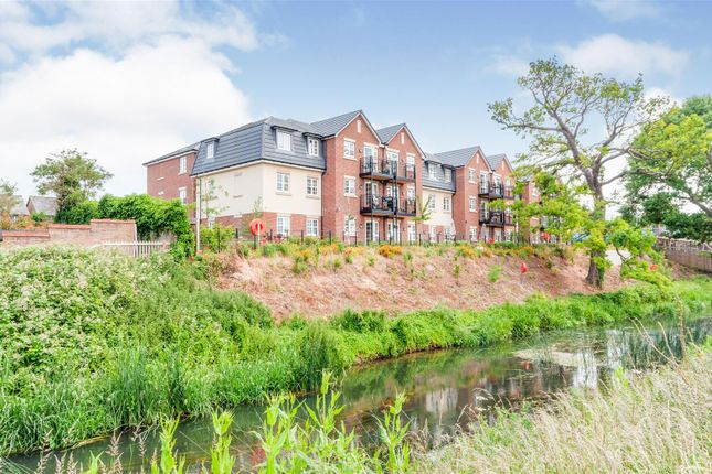 Thumbnail Flat for sale in Parkland Place, Shortmead Street, Biggleswade, Bedfordshire