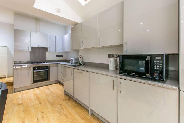 Terraced house for sale in Long Lane, Finchley, London