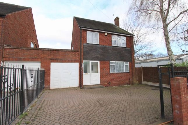 3 bed detached house to rent in North Street, Walsall