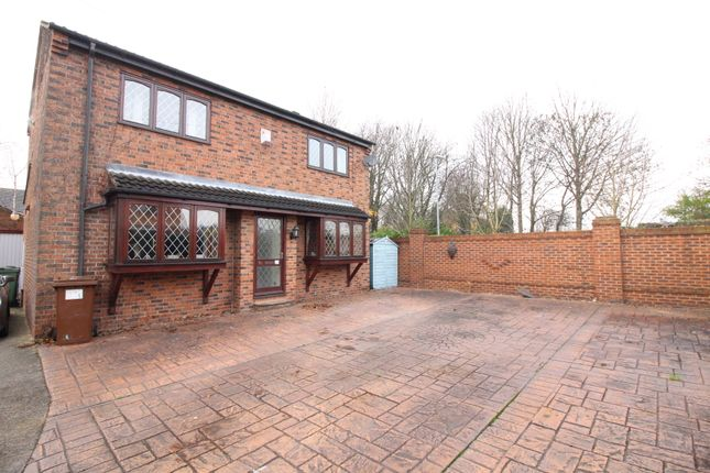 Thumbnail Detached house for sale in Greenfield Close, Kippax, Leeds