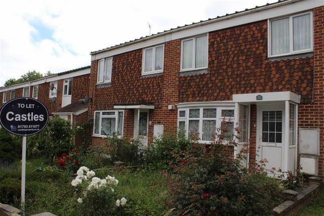 3 bed terraced house to rent in Eliot Close, Swindon