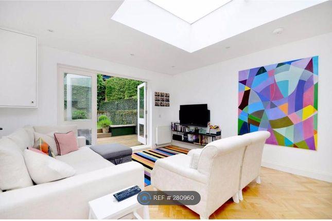 Thumbnail Flat to rent in Ellerslie Road, London
