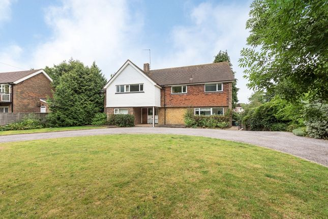 Thumbnail Detached house to rent in West Common, Harpenden