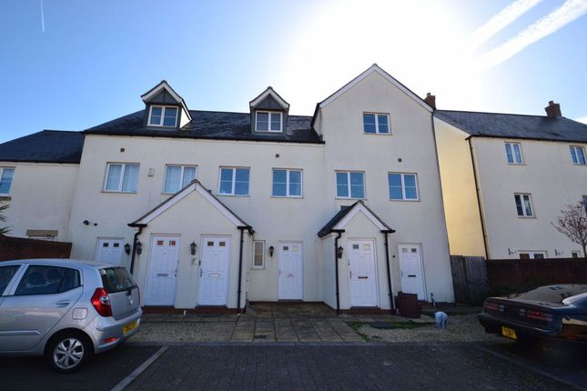 Thumbnail Flat to rent in Lapwing Close, Portishead, Bristol