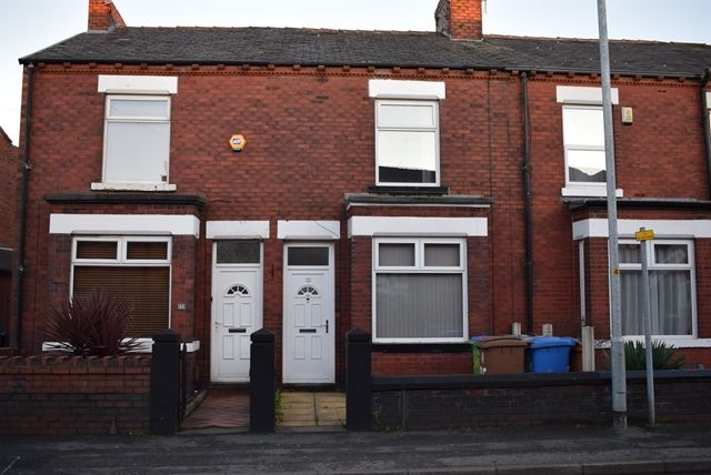 Thumbnail Terraced house to rent in Hilton Fold Lane, Middleton, Manchester