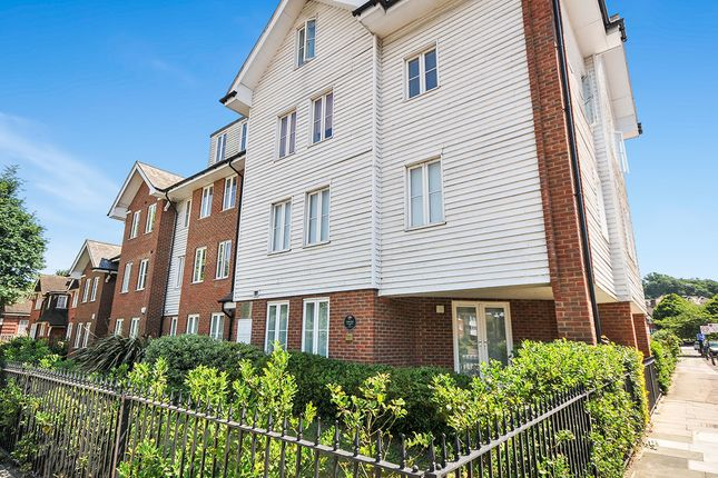 Thumbnail Flat for sale in Well Hall Road, London