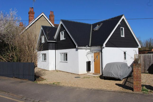 Thumbnail Detached house for sale in Horseshoe Road, Pangbourne, Reading