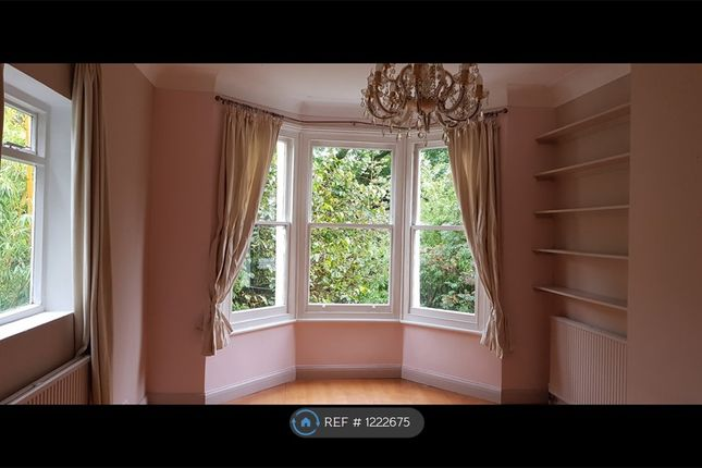 2 bed flat to rent in St. Johns Park, London SE3