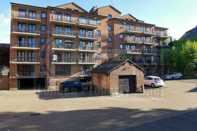 2 bed flat for sale in Fletcher Street, Tower Hill E1
