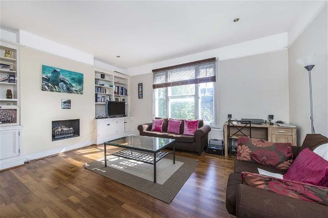 Flat in  Wandsworth Bridge Road  Fulham  London  Putney