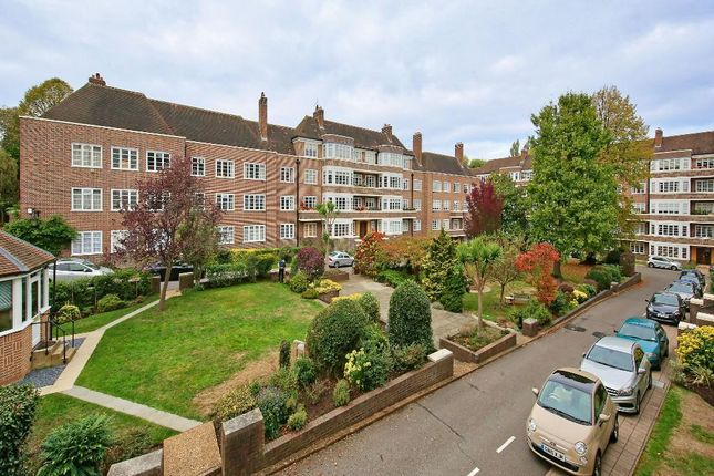 Flat in  Exeter House  Putney Heath  London S Putney