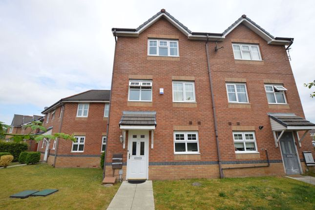 Thumbnail Town house to rent in Ainsbrook Avenue, Blackley, Manchester