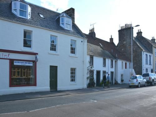 Thumbnail Flat to rent in Johnston Court, North Street, St. Andrews