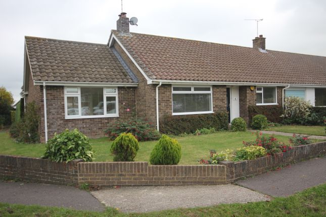 Thumbnail Bungalow to rent in Penfold Way, Steyning