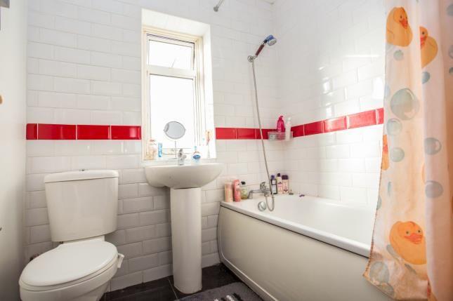 Bathroom of Eskdale Avenue, Northolt UB5