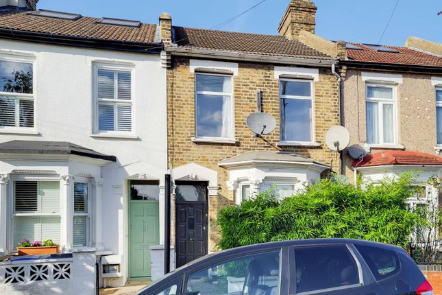 1 bed flat for sale in Napier Road, Leytonstone, London E11