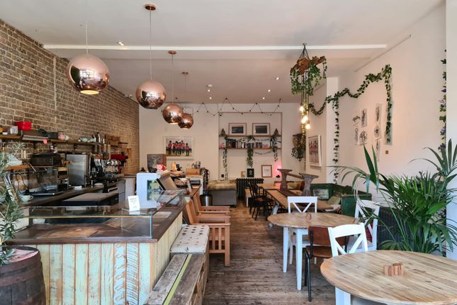 Thumbnail Restaurant/cafe to let in 37 Chalk Farm Road, London