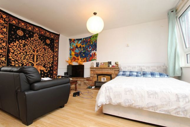 Room to rent in Ronald Street, Shadwell