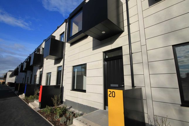 Thumbnail Property to rent in Springfield Lane, Salford