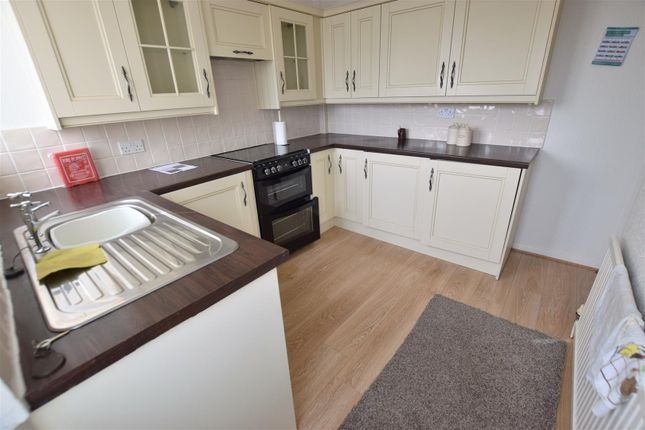 Thumbnail Property to rent in Ogden Close, Heywood, Lancashire