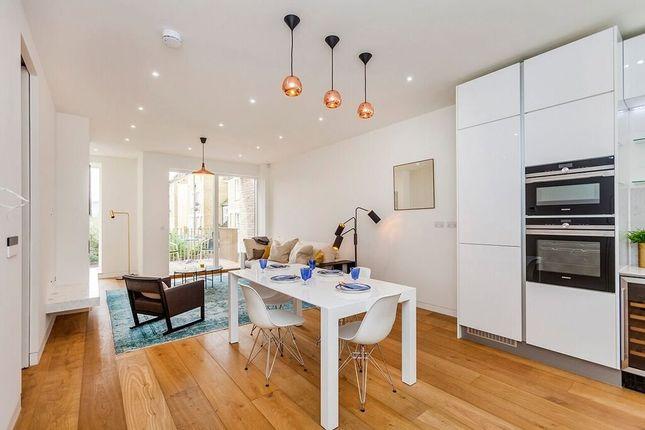 Thumbnail Flat to rent in Highbury Grove, Highbury, London