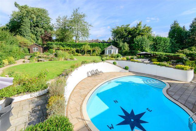 Swimming Pool of The Leas, Hemel Hempstead, Hertfordshire HP3