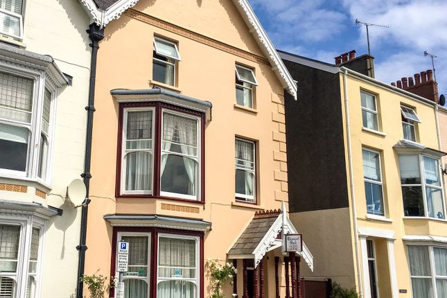Picture No. 57 of Clement Dale Guest House, Southcliff Gardens, Tenby, Pembrokeshire SA70