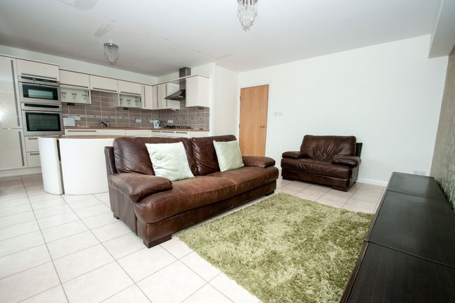 Thumbnail Flat to rent in Rubislaw Square, Aberdeen