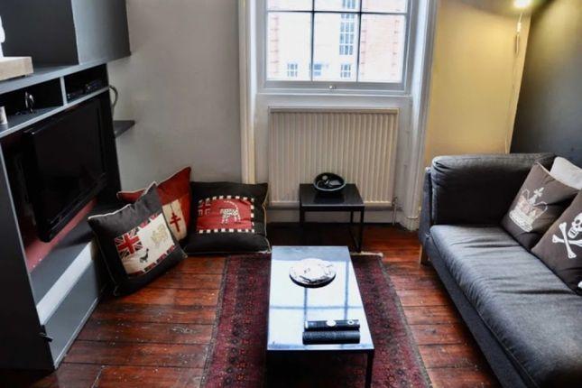 Thumbnail Flat to rent in Camden Town, London