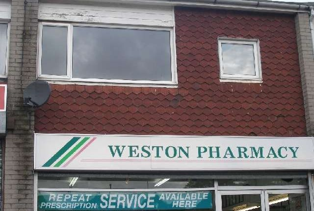 Thumbnail Flat to rent in Weston Square, Macclesfield