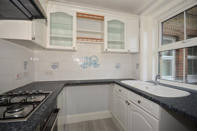 1 bed flat for sale in Croydon Road, Reigate, Surrey
