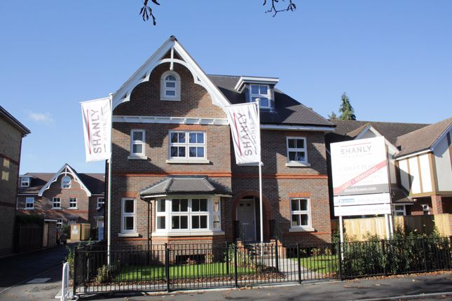 Thumbnail Semi-detached house for sale in Camlet Place, Lower Cookham Road, Maidenhead