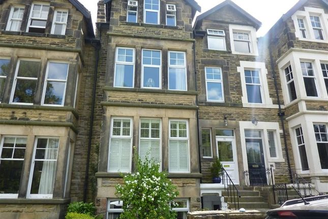 Thumbnail Flat to rent in Harlow Moor Drive, Harrogate, North Yorkshire