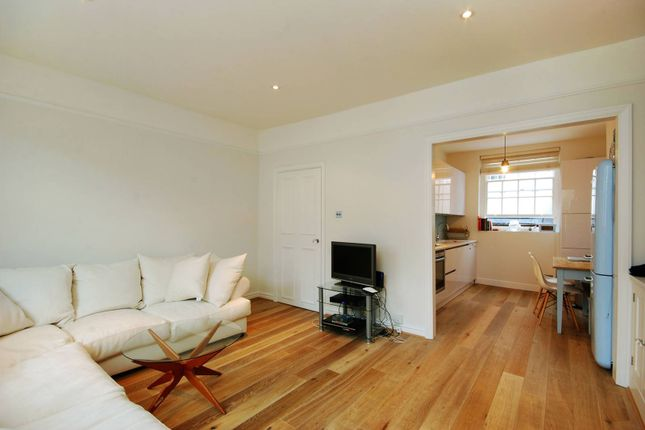 Thumbnail Flat to rent in Camden Passage, Islington