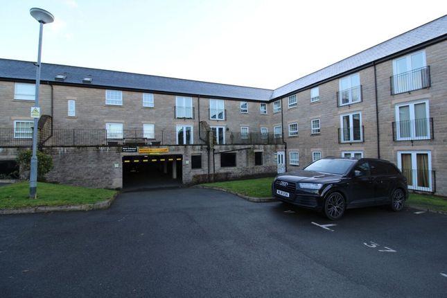 2 bed flat for sale in Clough Gardens, Haslingden, Rossendale BB4