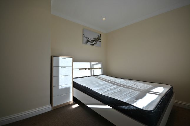 Thumbnail Room to rent in Wroxham, Bracknell