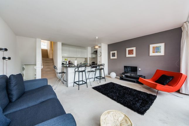 Thumbnail Flat To Rent In Barbican London