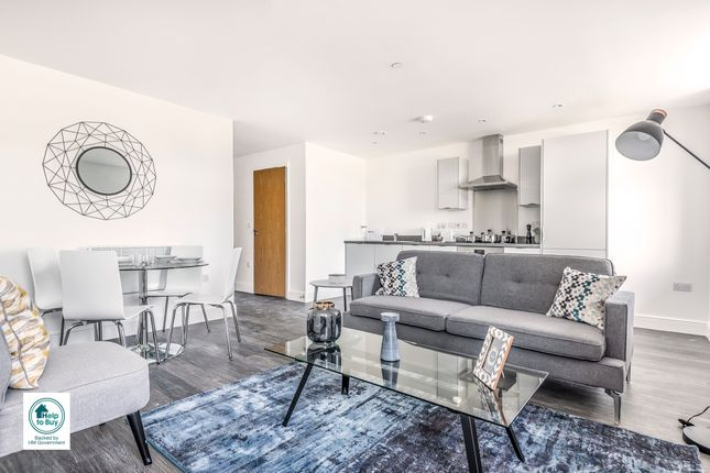 Flat for sale in Pound Road, Chertsey