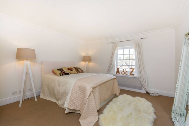 Thumbnail Flat for sale in Old Town, Clapham Old Town