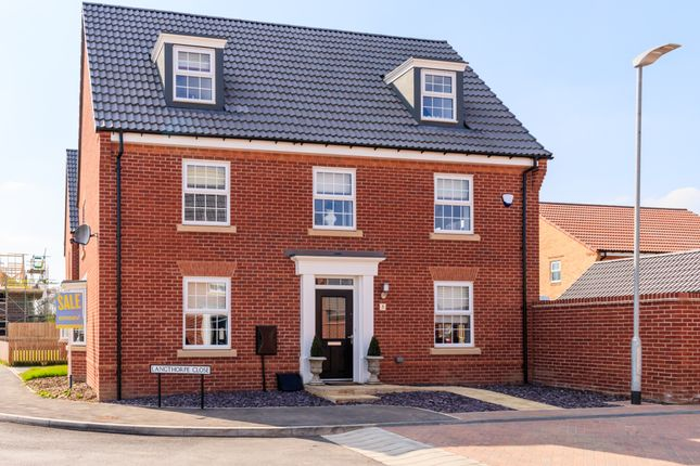 Thumbnail Detached house for sale in Langthorpe Close, Hessle