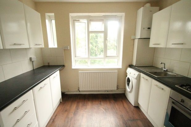 Thumbnail Flat to rent in Tylney Road, Bromley