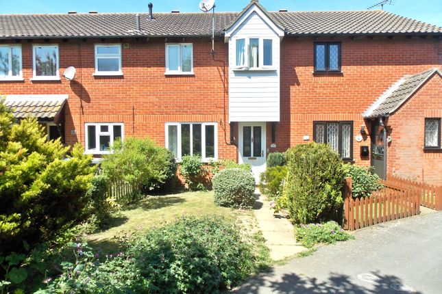 3 bed terraced house to rent in Grange Farm Avenue, Felixstowe