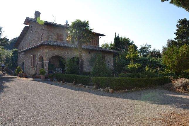 5 bed farmhouse for sale in Val D'orcia, Montepulciano, Siena, Tuscany, Italy