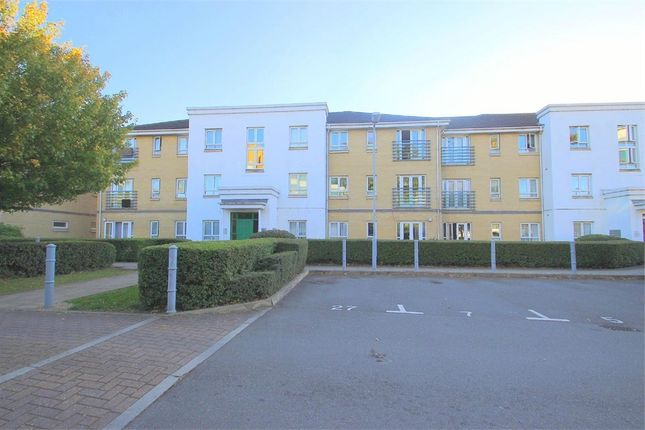 Thumbnail Flat to rent in Sovereign Heights, Langley, Berkshire