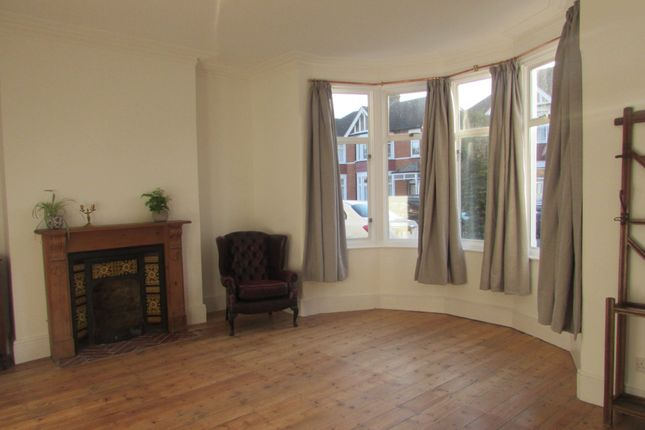 Thumbnail Terraced house to rent in Arundel Gardens, Ilford, Essex