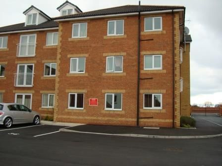 Thumbnail Flat to rent in Lagentium Plaza, Glasshoughton, Castleford