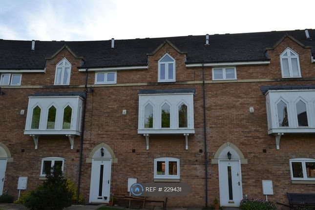 4 bed terraced house to rent in St Lukes Crescent, Sedgefield